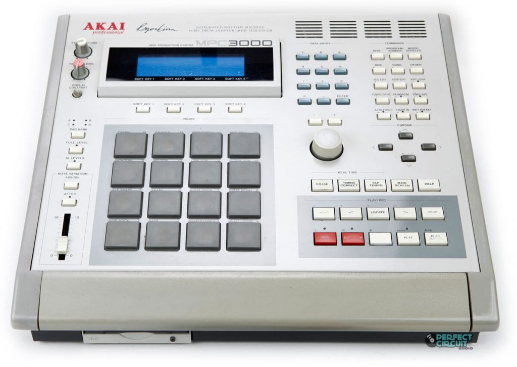 Akai MPC3000 - An Iconic Sampling Machine